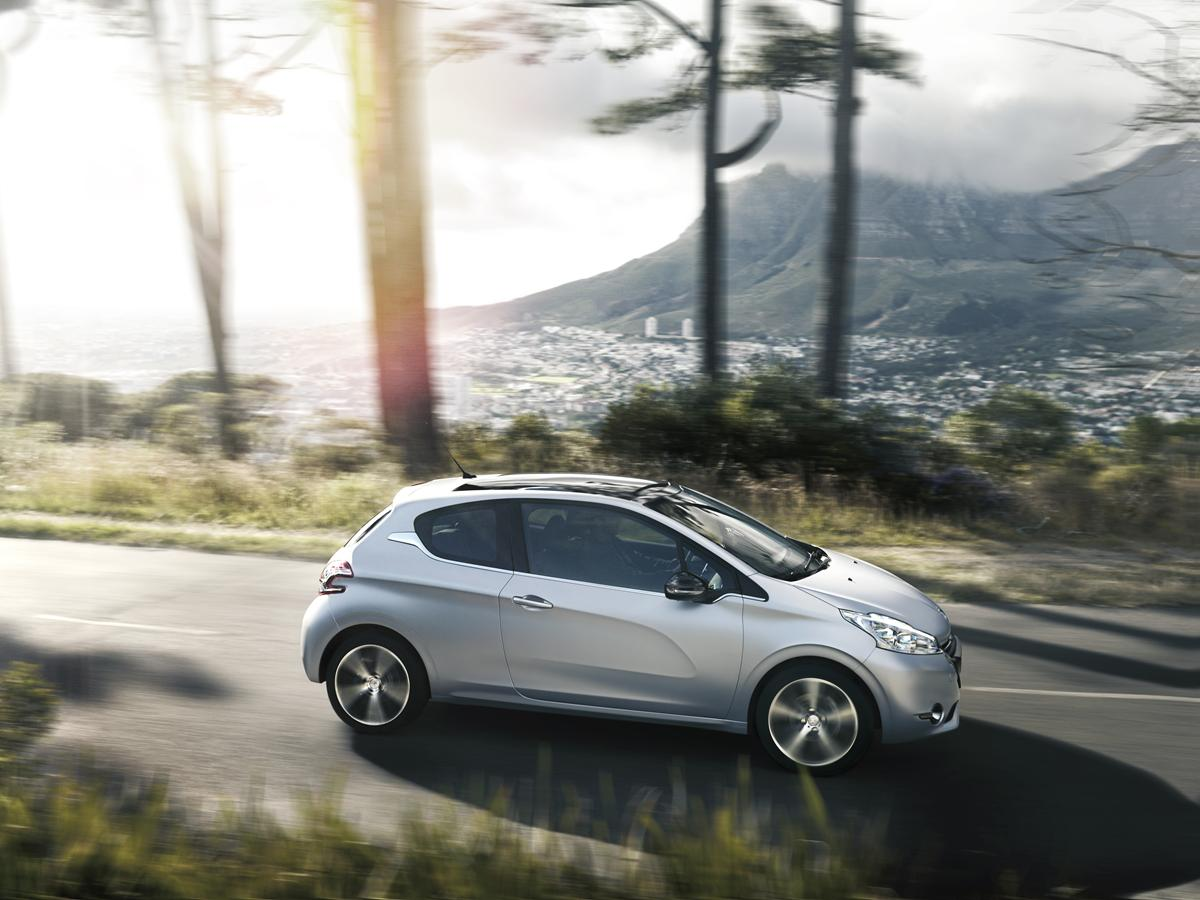 peuget-208-ice-velvet-limited-edition-1-tutto-auto-blog