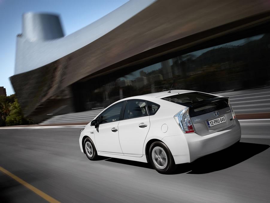 Toyota Prius Plugin Hybrid - tutto auto blog